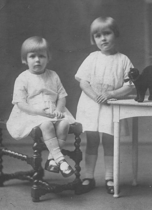 Dorothy & Marjorie Fraser